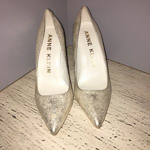 GOLD STYLISH ANN KLEIN 3 INCH HEELS YOU WILL LOVE